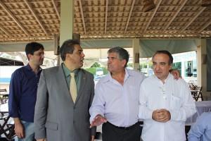 en. Hélio José, Danúbio Martins e o pres. da ABBP, prof. Chico.