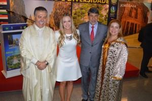 Celina Leão com representantes da comunidade Árabe