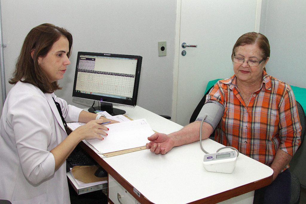 Paciente Vera Lúcia Gonçalves foi transplantada há quase 18 anos no HB