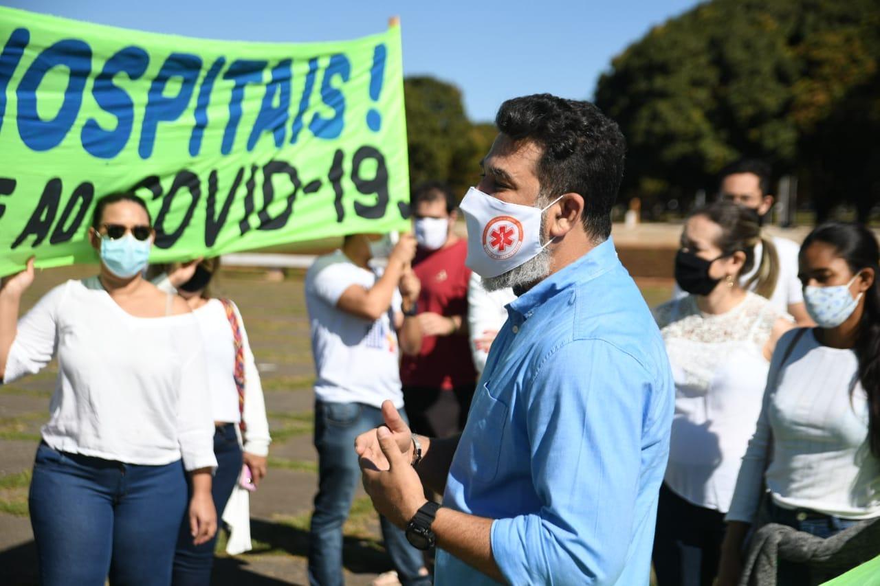 Enfermeiros concursados cobram nomeação ao governador - Foto: Wilter Moreira