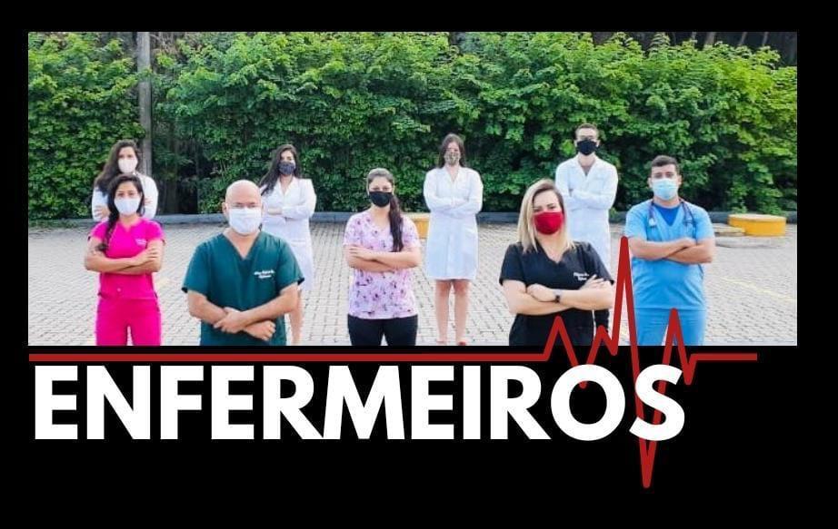 Pollyanna Pereira com colegas, em defensa dos Enfermeiros – Foto: Divulgação